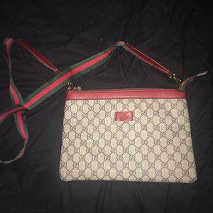 Gucci GG Supreme Side Bag Messenger Purse Ophidia